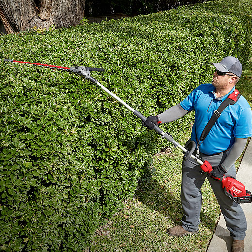 M18 FUEL™ QUIK-LOK™ Articulating Hedge Trimmer Attachment